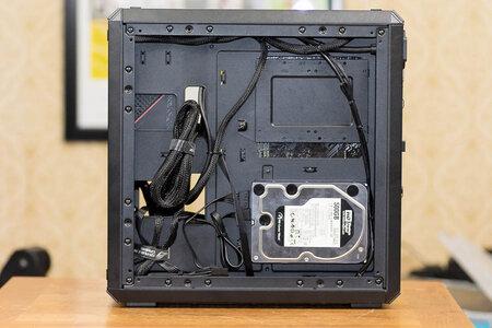 Q500L Rear panel open.jpg