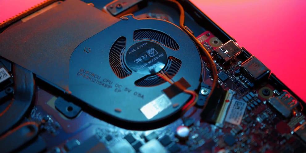 Asus Ryzen RoG Zehyrus GA502D notebook aggressive fan